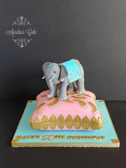 Elephant_Cusion Cake
