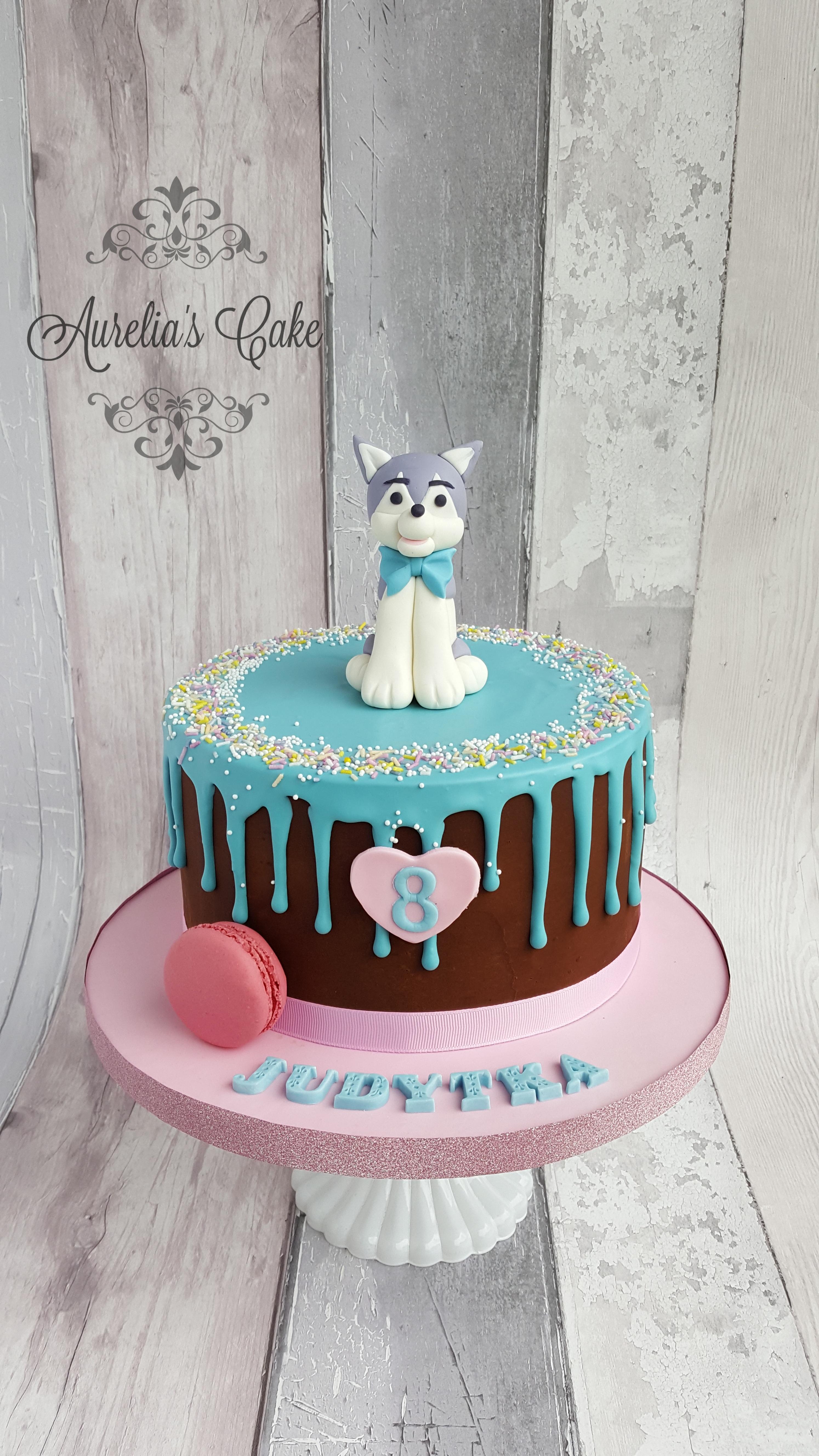Dog/husky drip cake