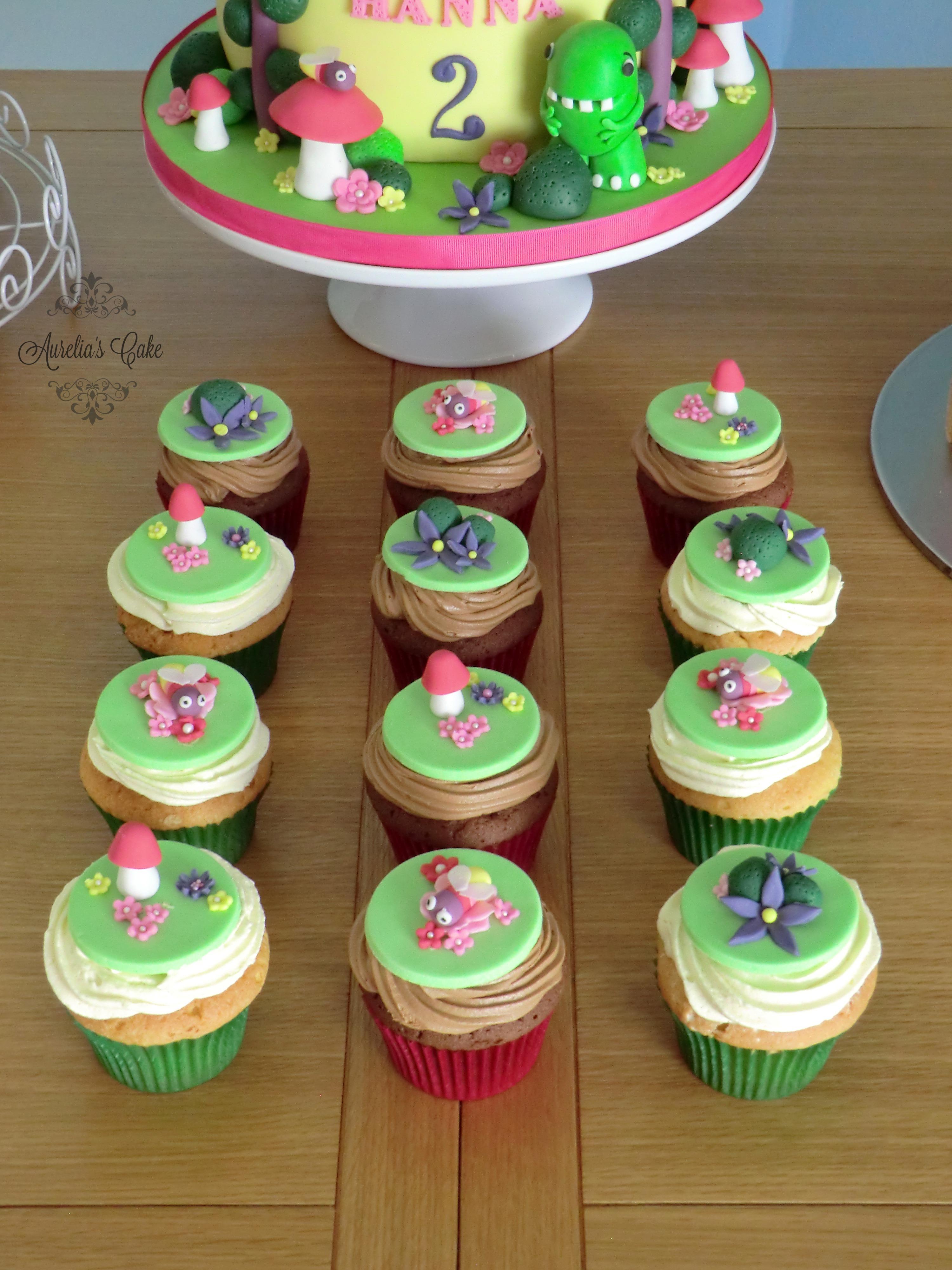 Dinopaws themed cupcakes.