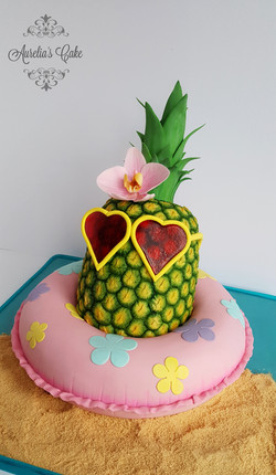 Funky pineapple cake_