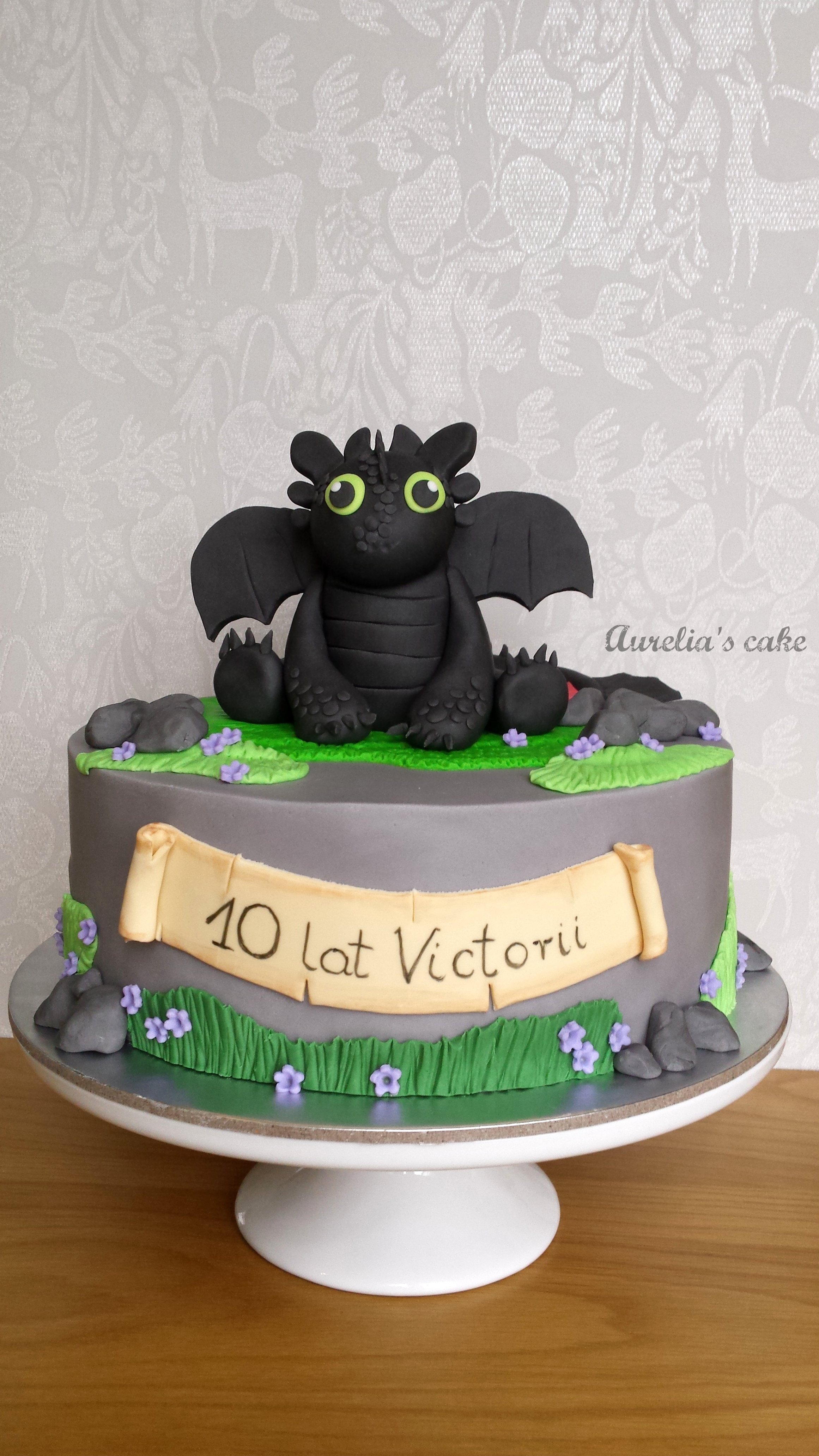 Toothles cake.