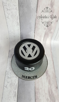 VW tyre cake