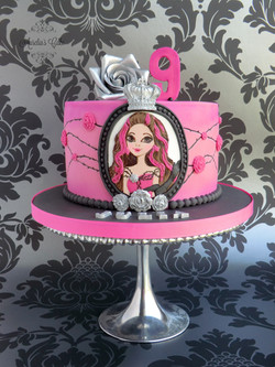 Ever After High cake.