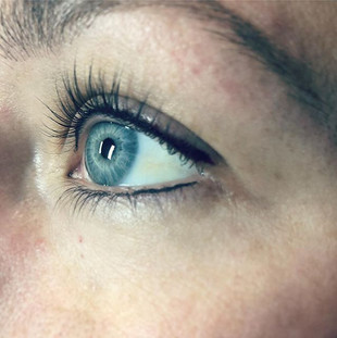 Eyeliner Tattoo to complete her lash lif