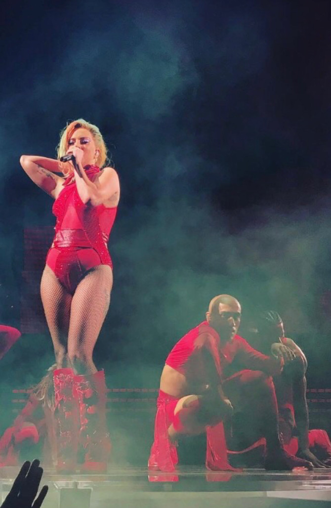 1 Month Left To See Victor Rojas on Joanne World Tour.