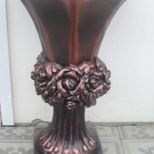 ваза с розами большая