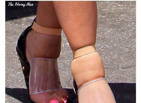 20 Shoe Memes That Will Fit On The Other Funny Foot