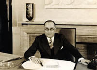 Jean Zay, ministre de l'Education nationale en 1936