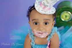 girl-cake-smash-closeup