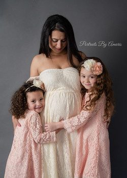 Mother-and-daughters-maternity-dark grey