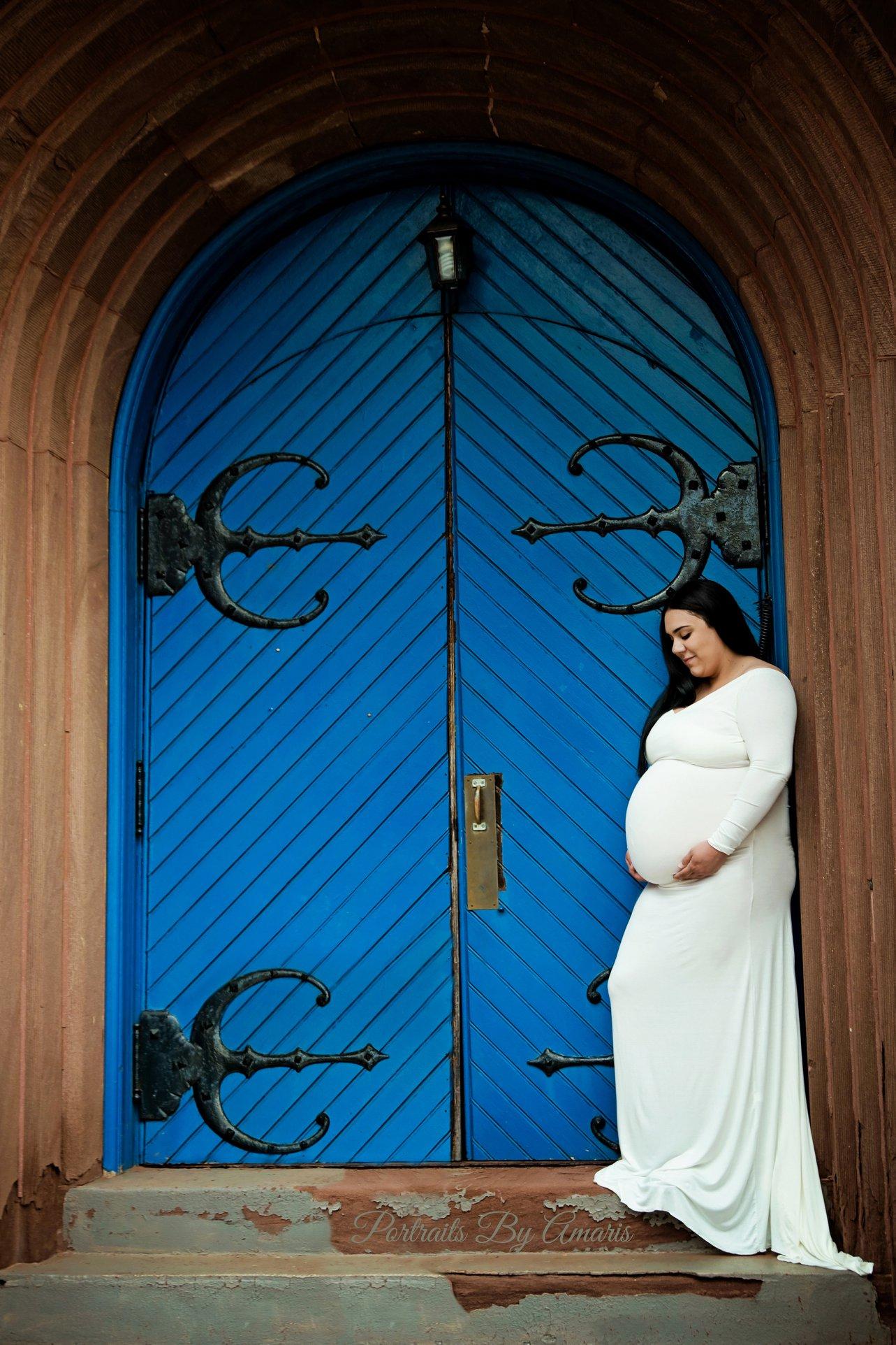 maternity_blue_door