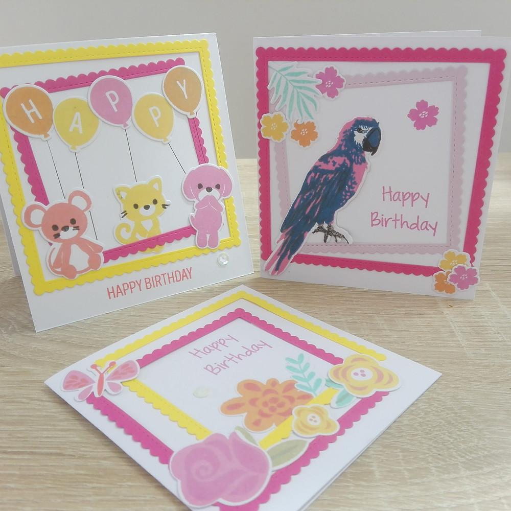 Cartes d'anniversaire colorées