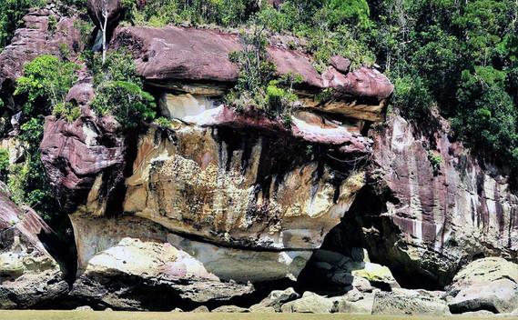 bako-national-park-sandstone-formation-0