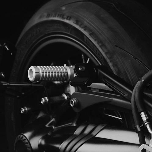 MACHINED PASSENGER FOOTREST / BMW R NINE T