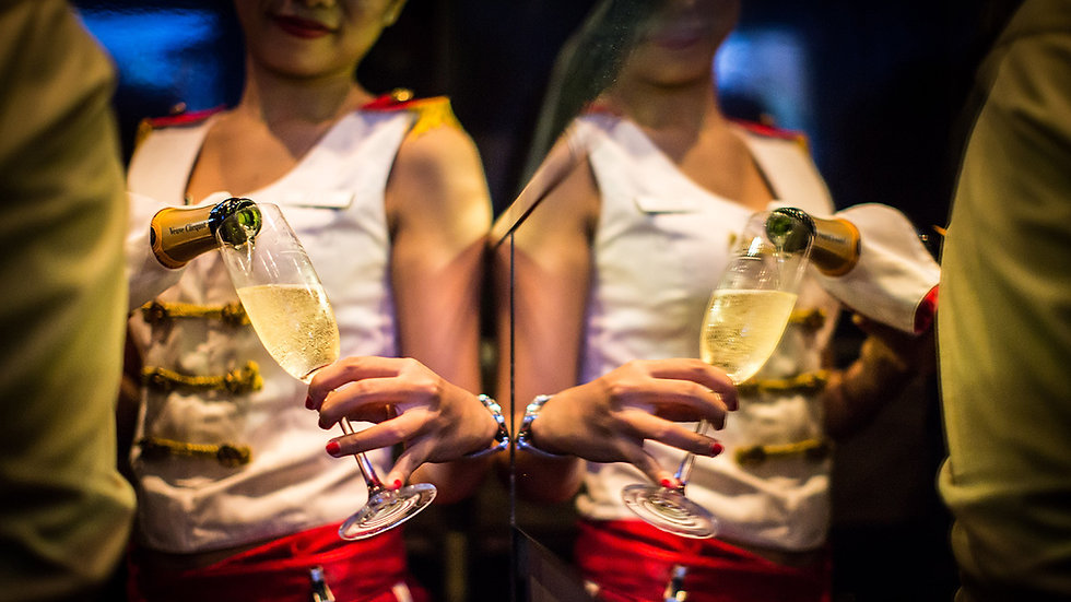 red-carpet-champagne-bar-7
