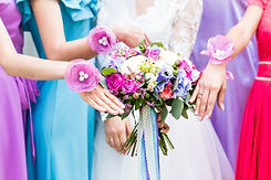 close-up-of-bride-and-bridesmaids-bouque
