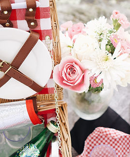 romantic-picnic-with-flowers-and-picnic-