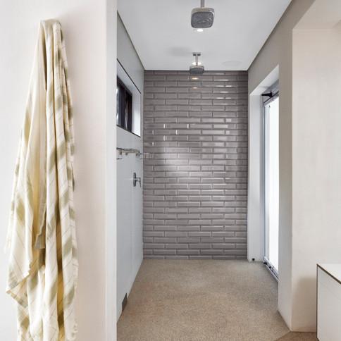 GLENDOWER SHOWER BATHROOM.jpg