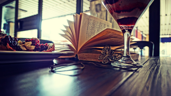 5 Places to Sell Your Book (Other than a Bookstore)