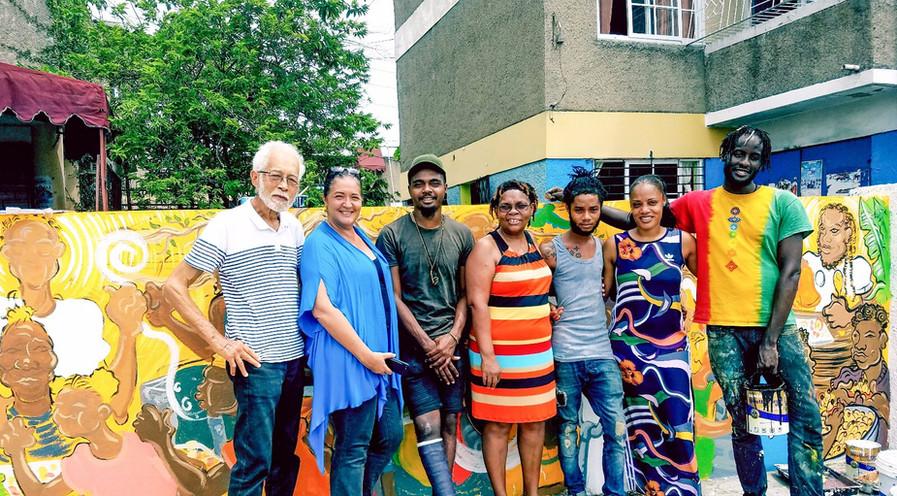 From Left Horace Chang, Susanne Fredricks, Rodje Malcom, Nakiea's Family and Matthew McArthy