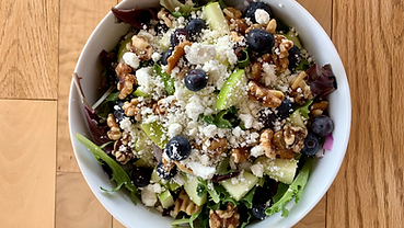 Greens On Your Way_Blueberry Walnut Sala