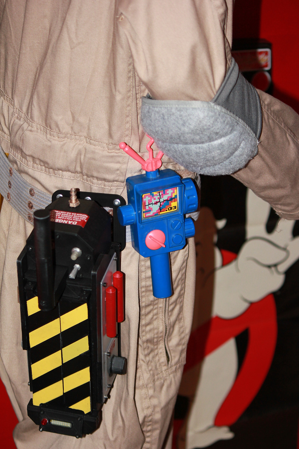 Kenner The Real Ghostbusters PKE meter with 3D printed ghost trap.