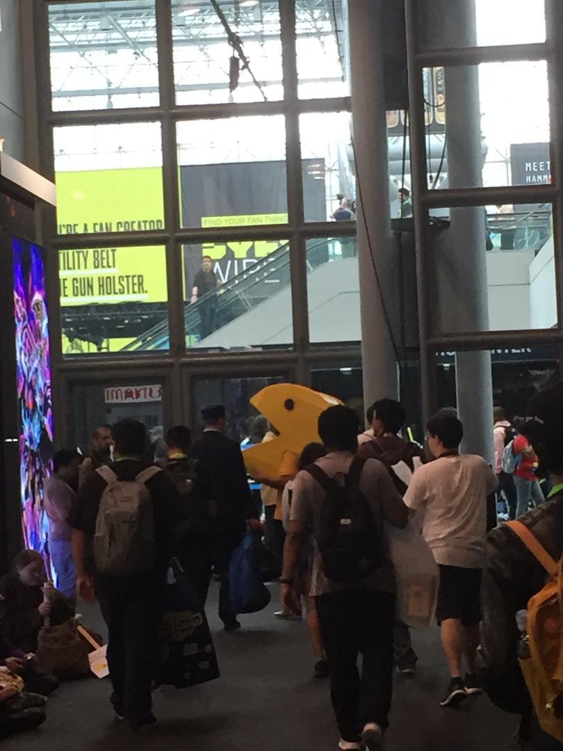 Pac-Man cosplay