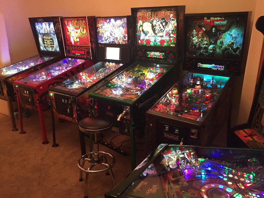 Pinball machines: Lord of the Rings, AC/DC, Iron Maiden, Guns N' Roses, Rob Zombie's Spookshow.