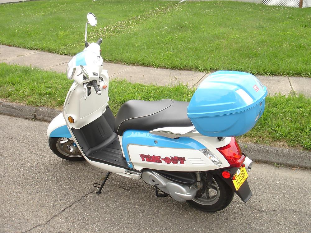 Kymco Like 200i LX scooter.