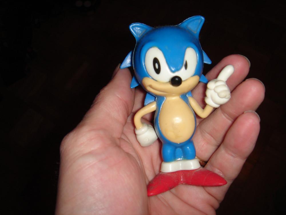 Vintage '90s Sonic the Hedgehog gum dispenser.