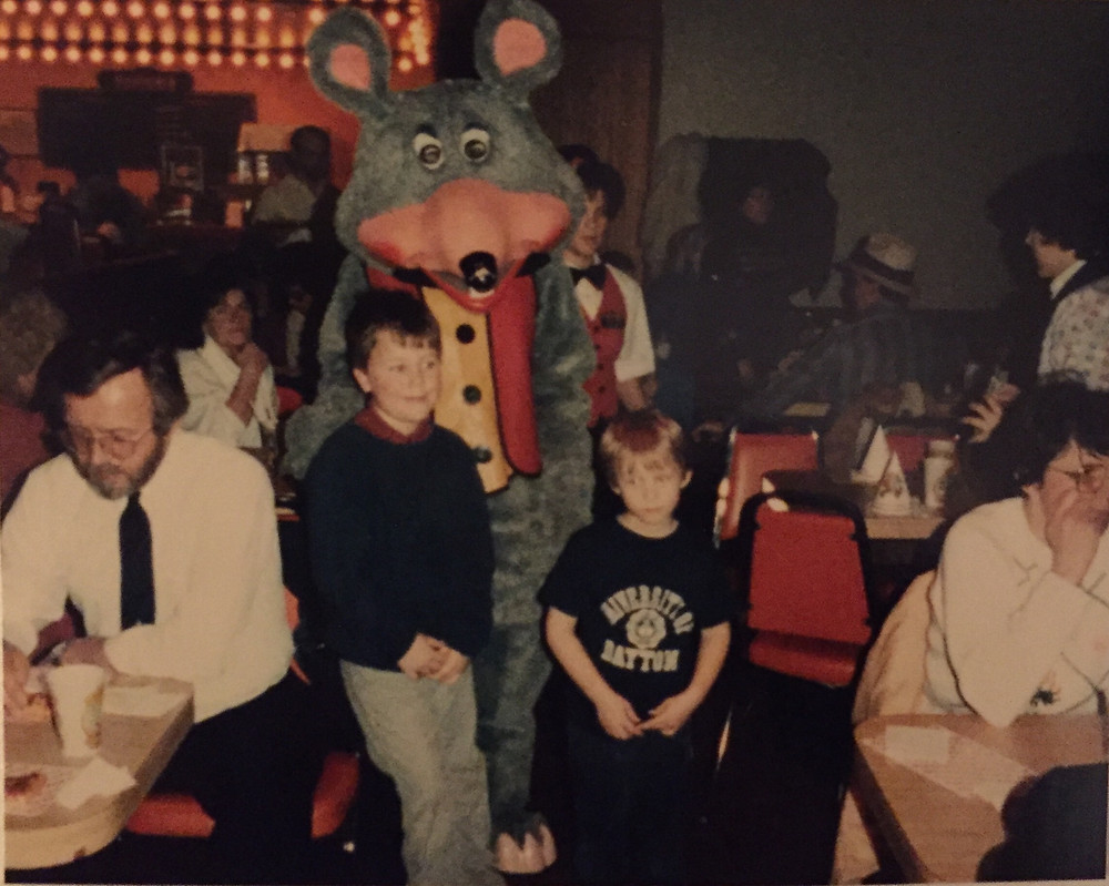 Vintage '80s Chuck E. Cheese photo.