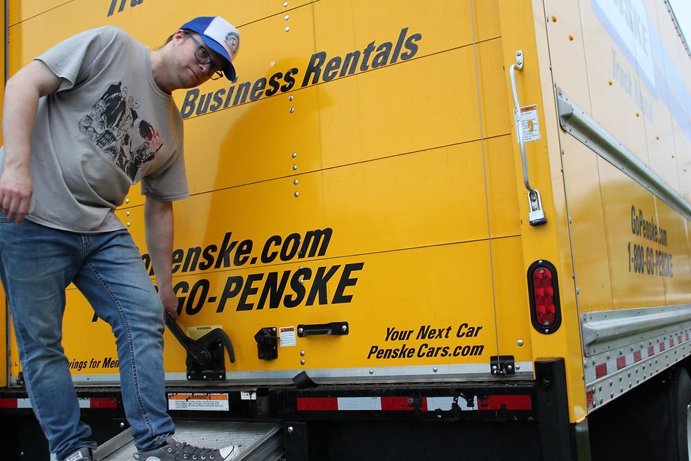 26' Penske truck