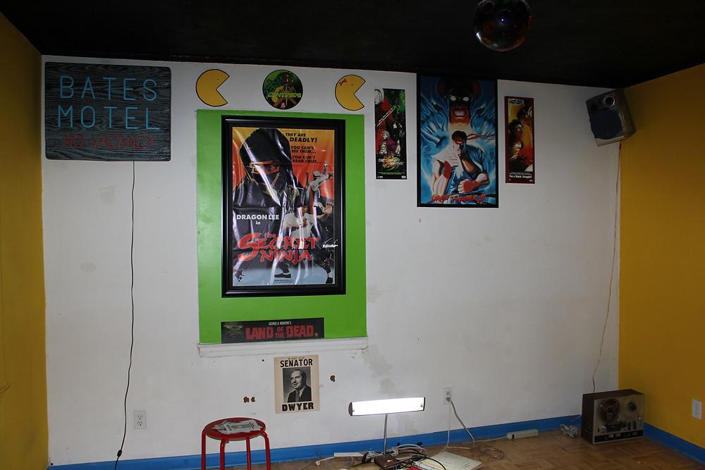 Empty home arcade