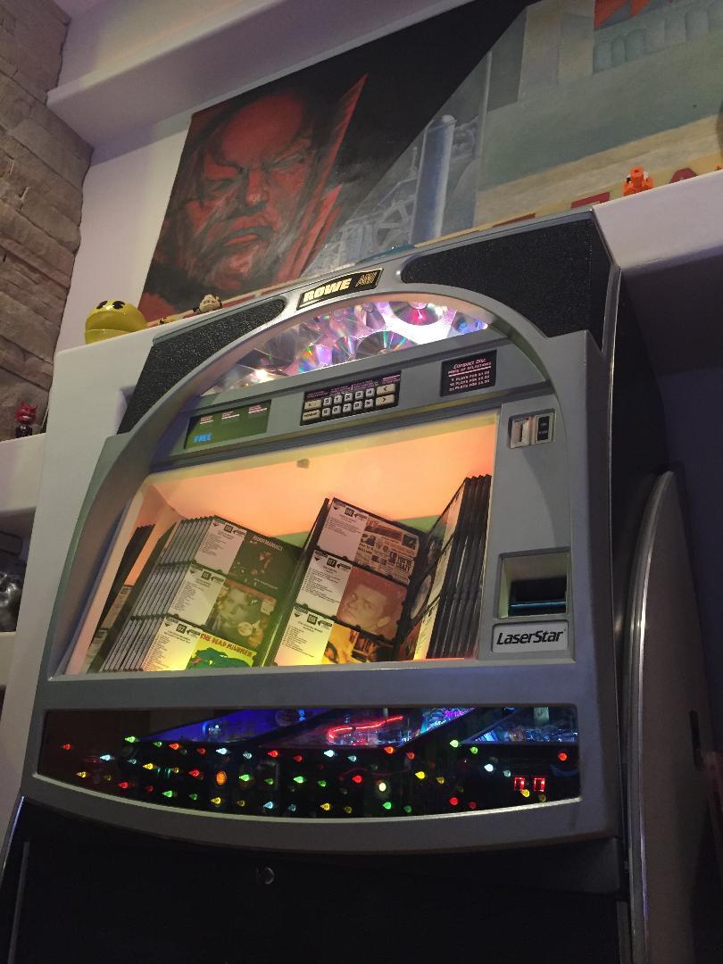 Rowe LaserStar CD jukebox