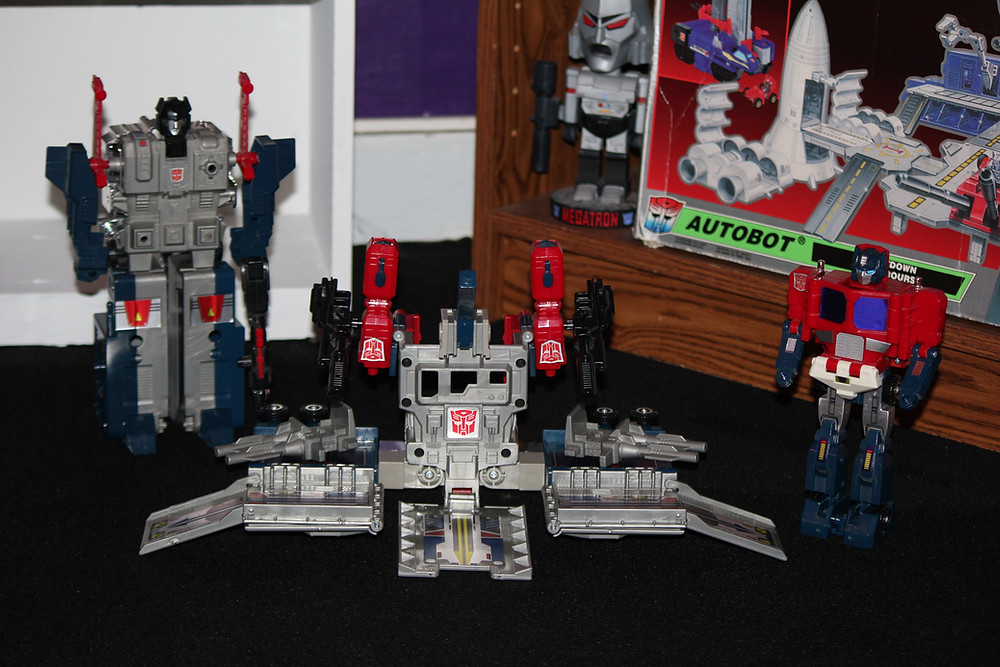 G1 Powermaster Optimus Prime Transformer God Ginrai battle station.
