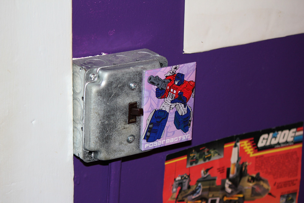 G1 Powermaster Optimus Prime Transformer magnet.