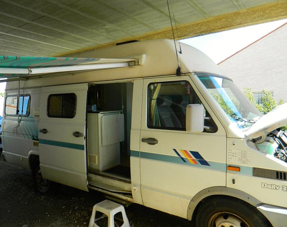 pro meubles agencements relooking int rieur camping car perpignan. Black Bedroom Furniture Sets. Home Design Ideas