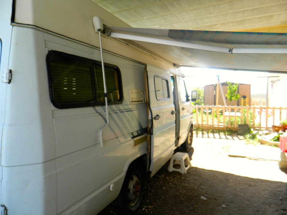 pro meubles relooking interieur de camping car. Black Bedroom Furniture Sets. Home Design Ideas
