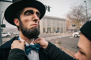Abe-Michael-Dyrland-Abe-Lincoln-behind-t