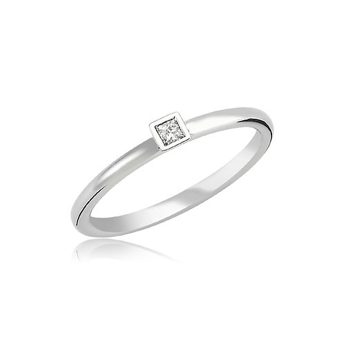 Princess Cut Diamond 18K Ring