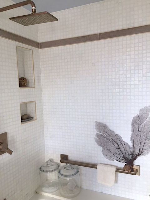 Small Bathroom detail