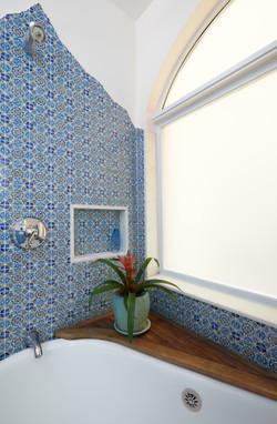 Woods Bathroom Corner Detail