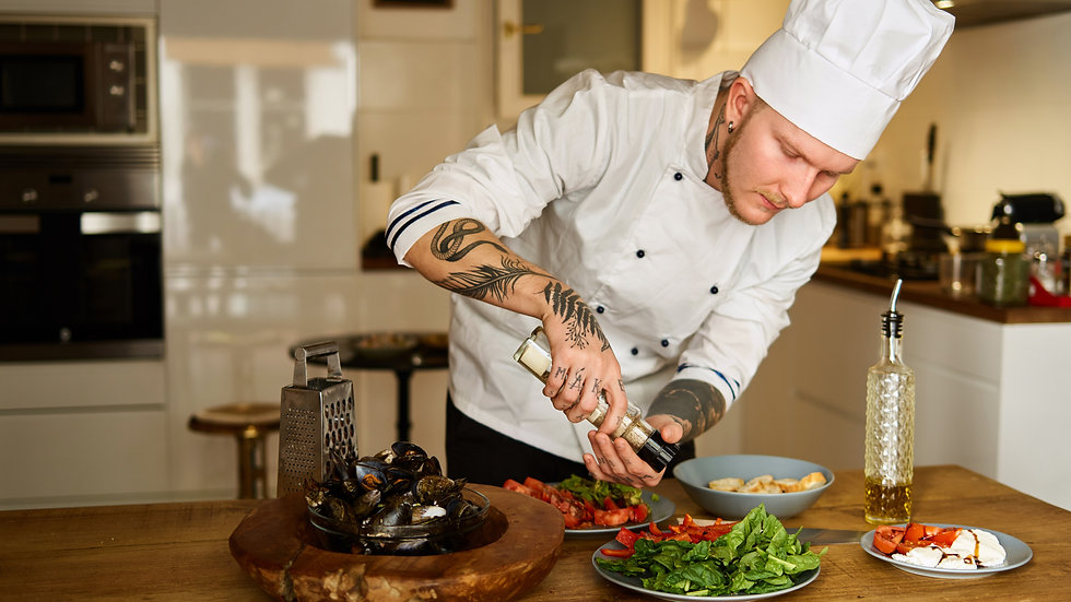 Chefs (Executive Chef / Head Chef / Sous Chefs / Assistant Chefs / Pastry Chef)