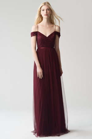 Designer: Jenny Yoo Collection Comes in a variety of colours   Description:   Sizes Available:  Purchase Price:  Rental Price: