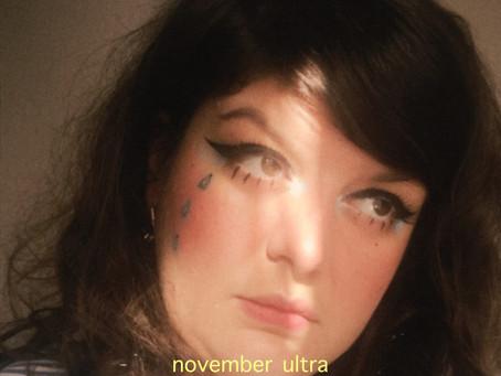"November Ultra, reine du ""Miel"""