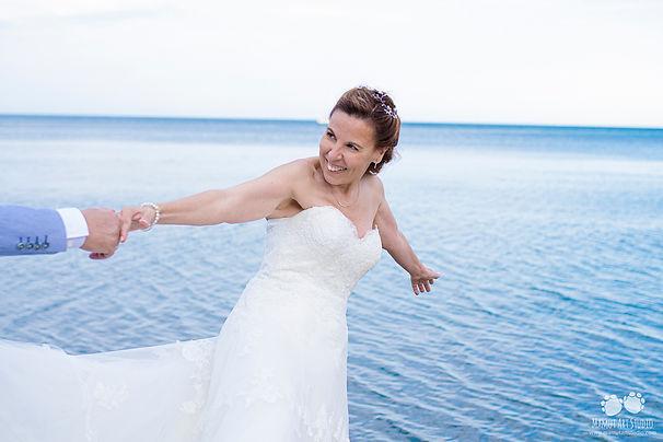 Banyuls-sur-Mer, novia en la playa, novia