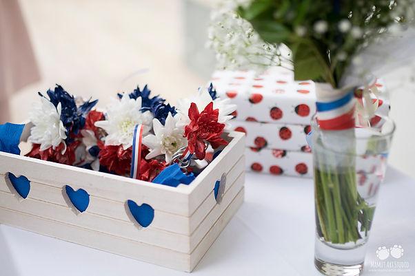 Pulsera de flores francesas