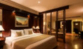 Deluxe Suite King.jpg
