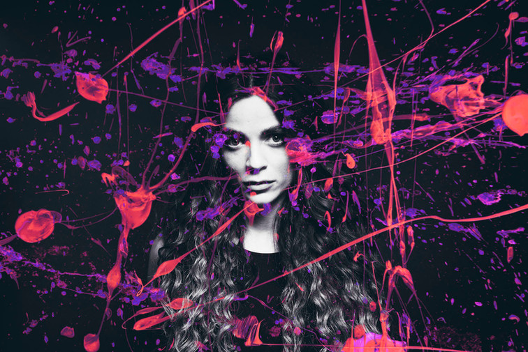 Woman Paint 07 D Copyright Lasse Hoile.j