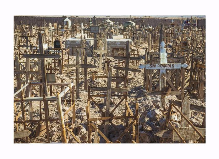 SW Chile graveyard 300417 52_Copyright L